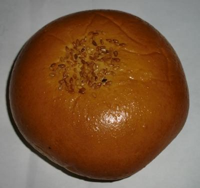 今日のおやつは「白あんパン」でした