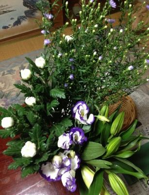 仏事の生花アレンジメントの仕入れに行きました