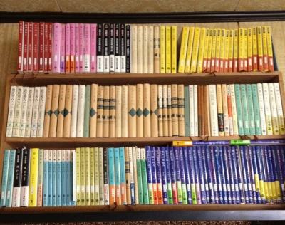 読書の秋と言うけれど親父の本棚は図書館並です