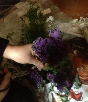 ご注文のお正月のお花を製作準備の為に仕入れに行きました