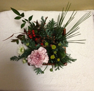 お正月の生花アレンジメントも店頭販売として発売中
