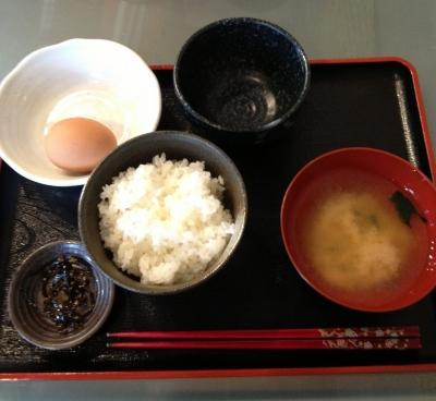大阪へ行った際には美味卵のタマゴ掛けご飯を食べないとね
