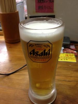 私が食べた生ビールと豚玉のお好み焼きです、本場だから超美味しかったです