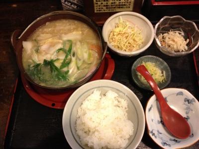 鍋焼きうどん定食です、温かくて美味しかったです(#^.^#)