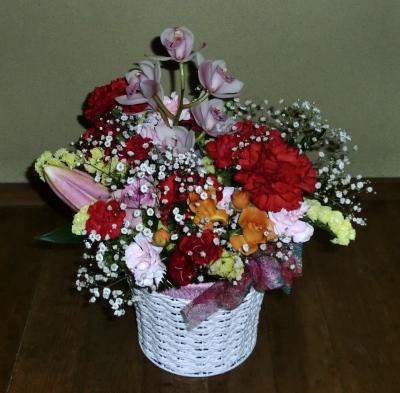 母の日の生花アレンジメントを宅配手配しました