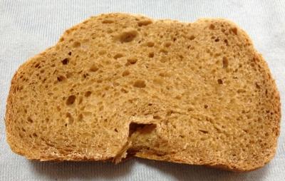 ポイントサイトで交換した七茸パンの素で食パン作りました