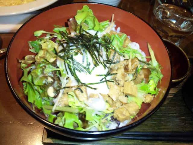 茶美豚の角煮丼