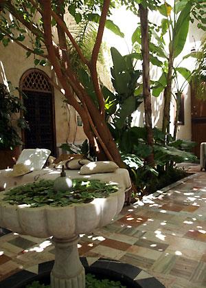 Riad El Fennの中庭