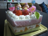 3色のひなまつりケーキ