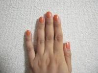 オレンジのネイル