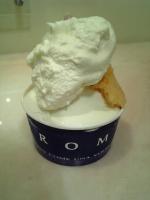 イタリアでは定番の生クリームのせ