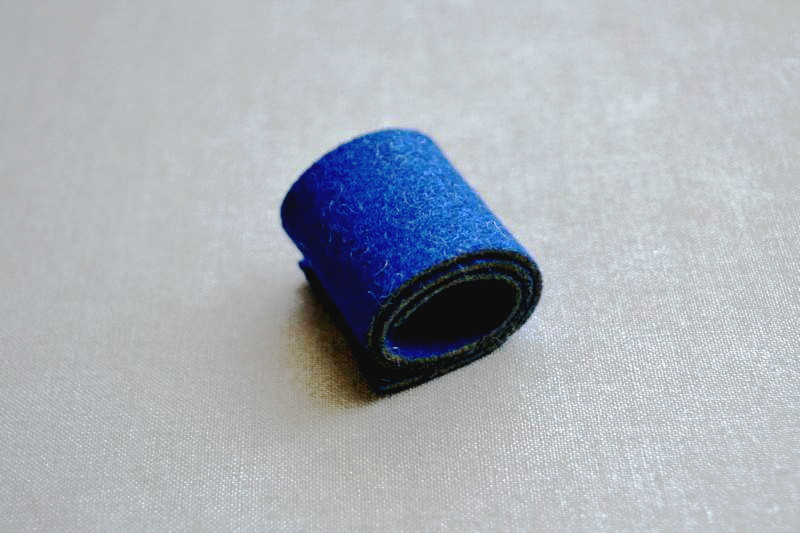 コンジーディエン(羊毛-ブルー) 巻いたイメージ