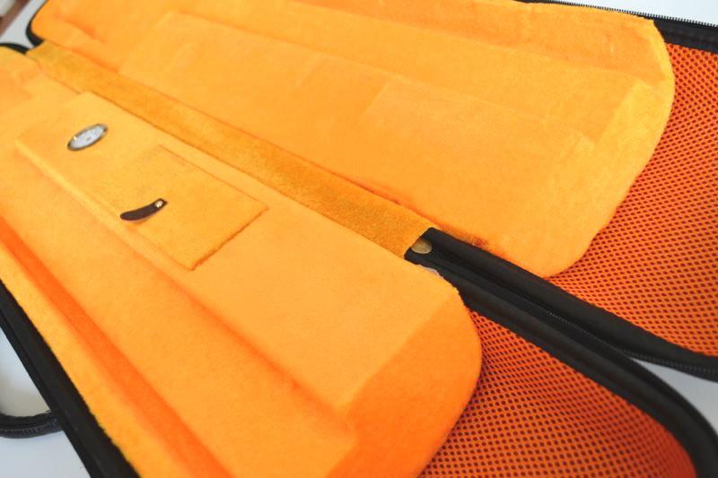二胡用カラーハードケース(ブラウン)内部