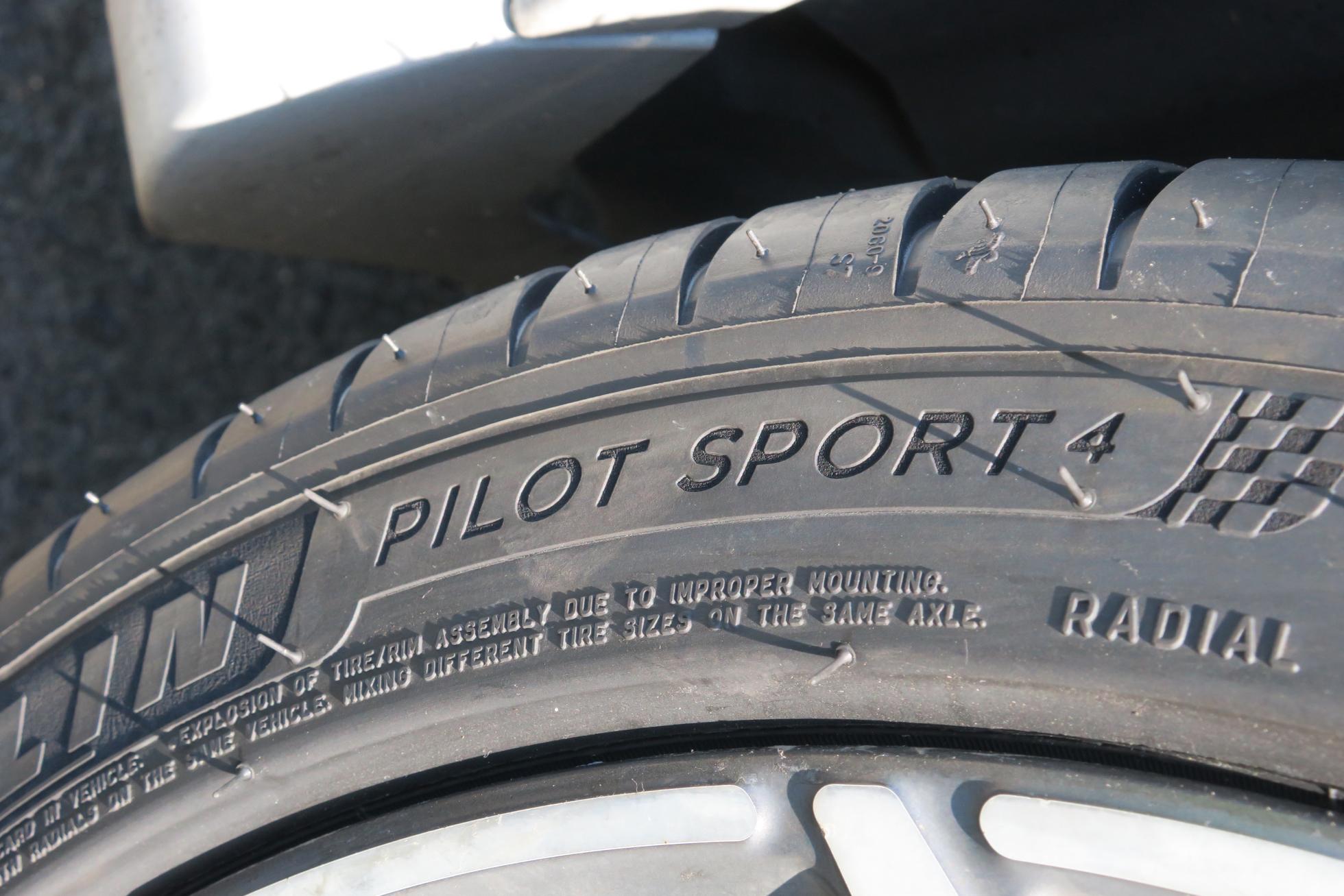4 スポーツ ミシュラン パイロット