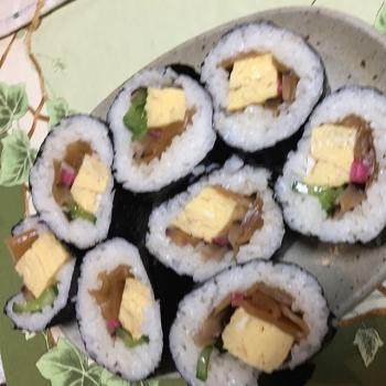 巻き寿司だ〜
