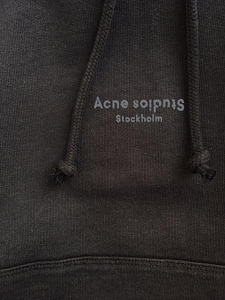Acne Studios 2.jpg