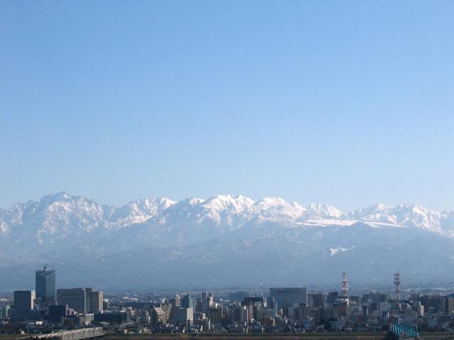 立山連峰を望む