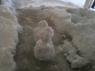かわいくない雪だるまw
