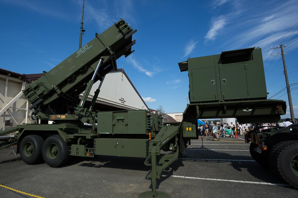 ミサイル発射装置
