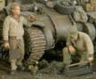 2511 1:35  WWII 戦車整備兵/2体