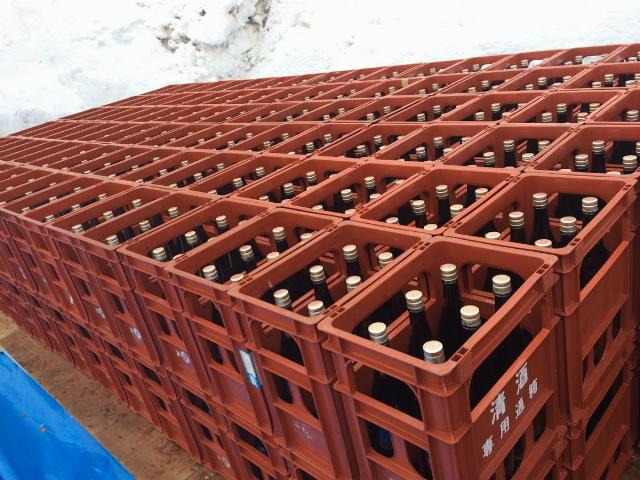 鮎正宗酒造 雪中貯蔵酒 埋め込み作業
