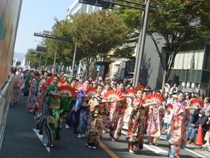 パレード本番踊り子隊