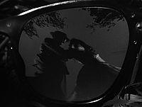 見知らぬ乗客 眼鏡1