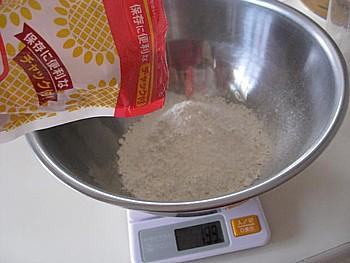 薄力粉のパン2