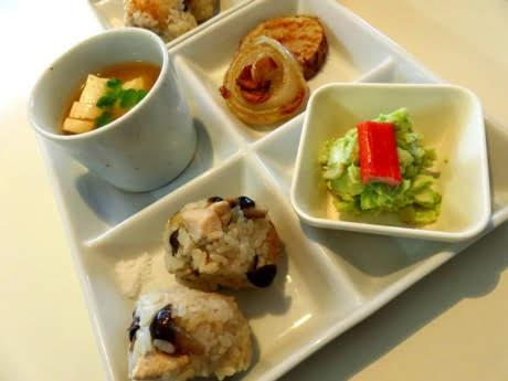 美食秋の炊き込みごはんプレート1.jpg