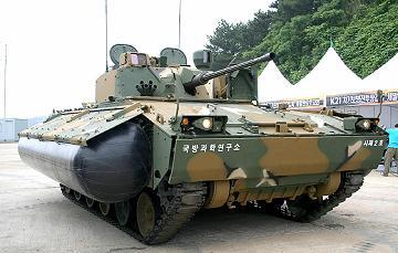 K21水陸両用歩兵戦闘車