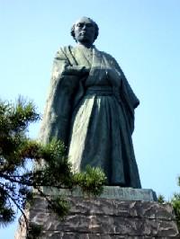 龍馬桂浜像
