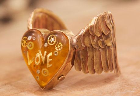 エンジェルハート バングルウォッチ「LOVE FLIES」