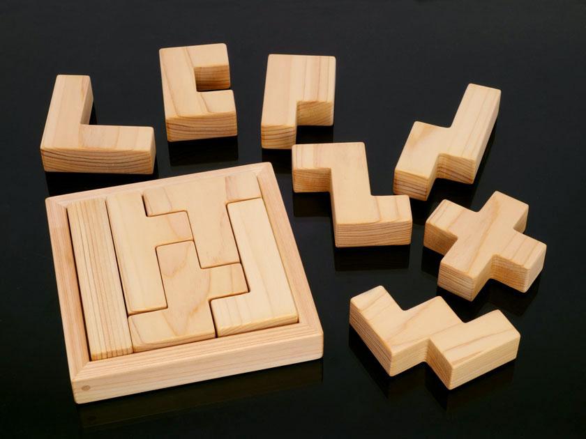ボックス5×5に入れた「I」形のペンタブロック他4種のペンタブロック