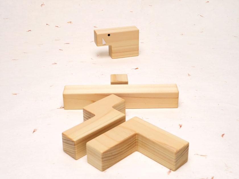 ペンタブロックのイノシシと「亥」の漢字