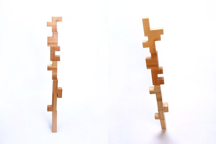ペンタブロックの手作り試作品を「F」まで積んだ、「L」を載せると倒れた