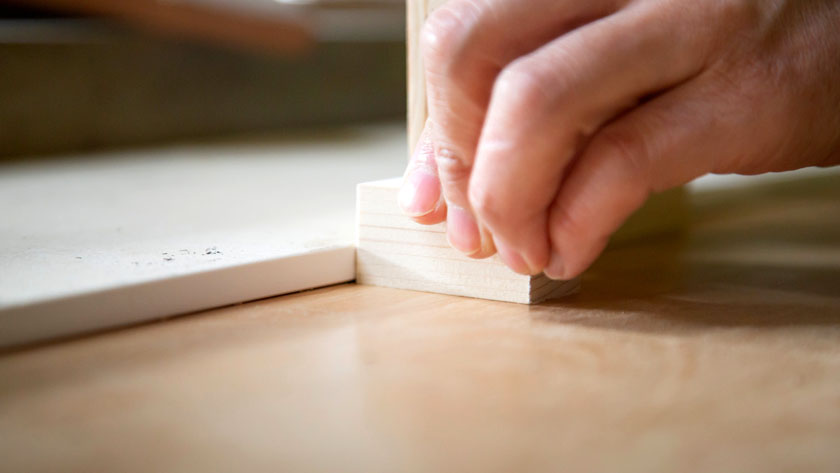 職人のペンタブロック作り手作業