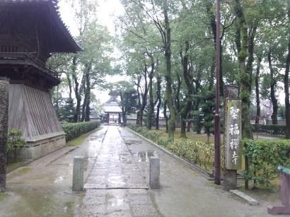雨の聖福寺.jpg