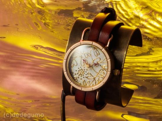 a731066f97 金彩上田さんとのコラボ第二弾は、すべて筒描きで表現された繊細で美しい一点モノの時計となりました。