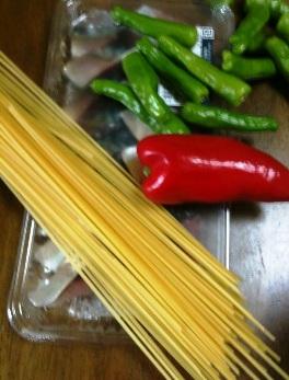 鯖とシシトウのスパゲッティ材料
