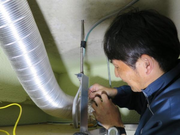 三菱製 V−132BZF4排気管工事中