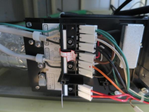 16電源リモコン接続.JPG