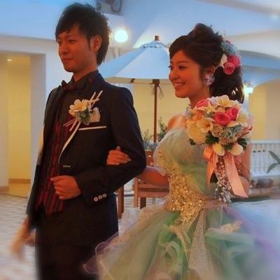 プルメリアブーケと花嫁
