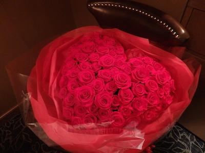 ハートのバラ花束