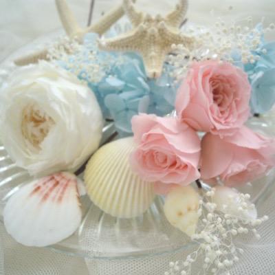貝殻とピンク花の髪飾り