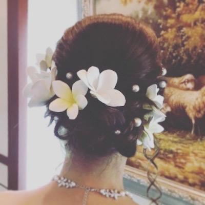 沖縄挙式 プルメリアの髪飾り