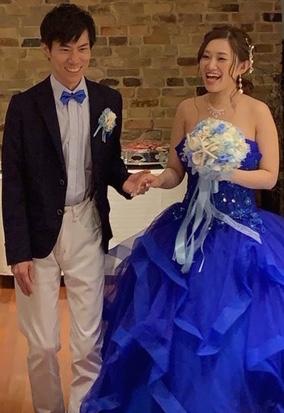 ブルーのドレスと貝殻ブーケ