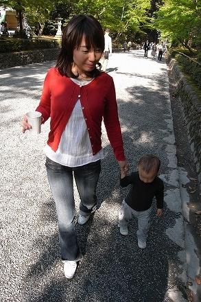 金閣寺付近を歩く