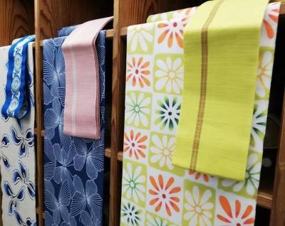 徳島着物や浴衣の店・市松の花柄・蝶の浴衣反物