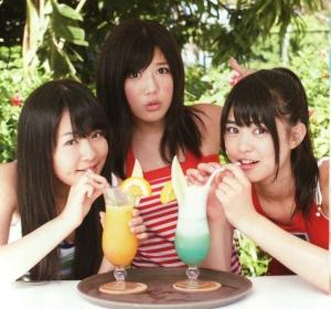 飲み物を飲む多田愛佳