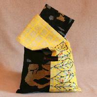 黒地金糸銀糸柄×黄色帯地手描き柄 バッグM